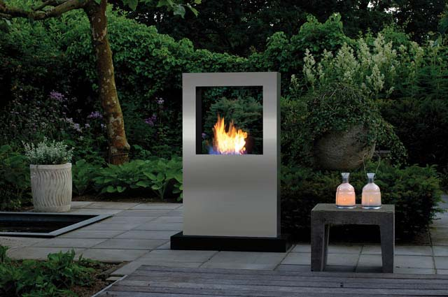 feuer im garten gartengl ck. Black Bedroom Furniture Sets. Home Design Ideas